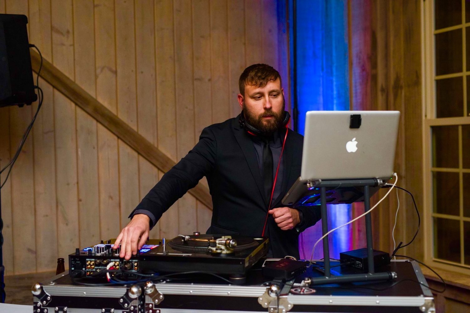 What A Wedding DJ Actually Does